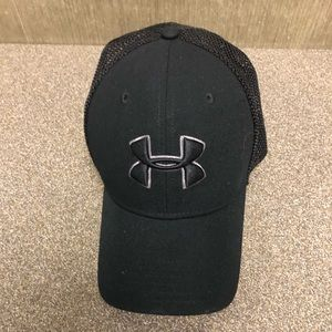 Great condition men's  under armor hat